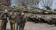 У украинцев исчезает инстинкт самосохранения – люди готовы жить под снарядами, лишь бы не было коррупции