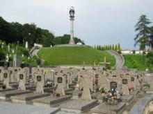 Будівництво меморіалів національних героїв на Личакові треба завершити