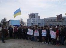 Сумські студенти передали Табачнику фільм про події студентського спротиву 2004 року