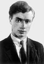 О.Ольжич – поет, учений-археолог, борець за волю України (104 рік народження)