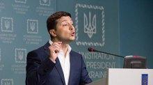 ''Украинский народ верит в чудо и молится на идола'': Зеленского ждет стремительная потеря рейтинга
