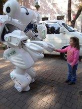 Эко-робот партии ''Зеленые'' Мистер Грин покоряет Украину (фото)