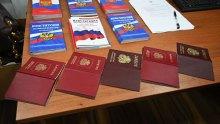 Російські паспорти в ОРДЛО: Путін фактично узаконює свою військову присутність на окупованих територіях Донбасу