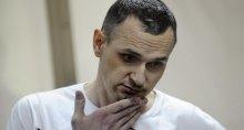Еврокомиссар требует от России отпустить Сенцова на вручение премии