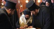 Чикагский митрополит показал фото Синода, где подписывают Томос