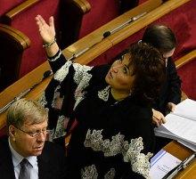 Бахтеева поругалась с фотографами в Верховной Раде