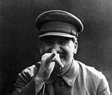 Віктор Єрофєєв: ПІВ-РОСІЇ ЛЮБИТЬ СТАЛІНА