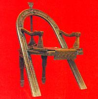 У пошуках дванадцяти крісел...