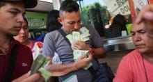 Популизм в действии: в Венесуэле туалетная бумага теперь стоит дороже купюр