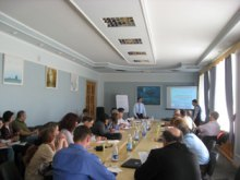 Як покращувати діяльність органів виконавчої влади через використання інструменту громадської експертизи вчили активістів з різних міст у Луганську
