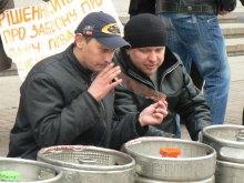 Пиво и сигареты станут дефицитом c 1 апреля