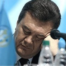Политическая агония Януковича и крах партии бело-голубых