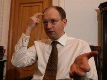 Чем больше Яценюк корчит из себя ''сильную руку'', тем сильнее тянет на ''геморройный язык''
