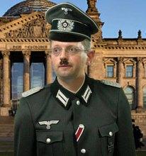 Устав рядового ''Фронта перемен'' Яценюка создан для солдат Гитлера