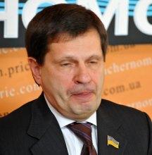 Кандидат в мэры Одессы от Партии регионов показал стриптиз и упал за барную стойку...