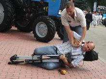 Охранник Президента побил журналиста!