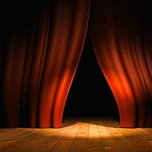 Путешествие в театральное зазеркалье