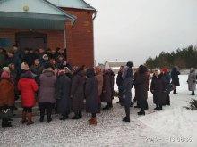 На Волыни община устроила ''холодный душ'' священнику УПЦ МП, протестуя против отказа переходить в ПЦУ