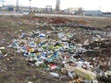 Работники одесской милиции задержали 8 человек, направлявшихся к мэрии с пакетами мусора
