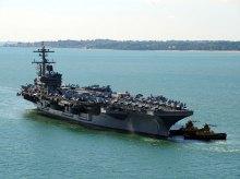 Авианосец ВМС США вблизи Черного моря
